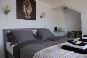 bed and breakfast noordwijk pension t hofje. Black Bedroom Furniture Sets. Home Design Ideas